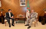 لعمامرة يستقبل السفير الجديد لكازاخستان في الجزائر