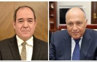 وزيرا خارجية الجزائر ومصر يؤكدان حرصهما على تعزيز العلاقات بين البلدين