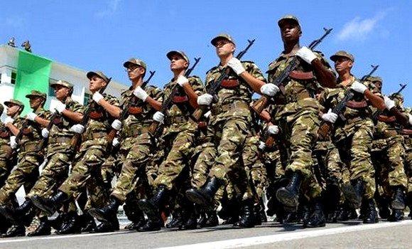 الرئيس تبون : الجيش الجزائري بعيد عن السياسة وهو