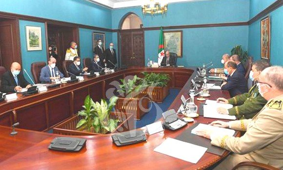 الرئيس تبون يترأس اجتماعا للمجلس الأعلى للأمن
